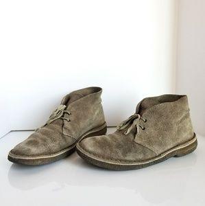Clarks desert suede boots